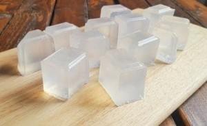 Muestra de cómo se puede hacer un jabón casero fácil y rápido